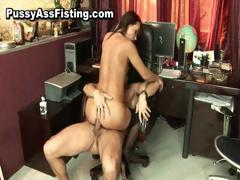 Horny whore gets her gaping...